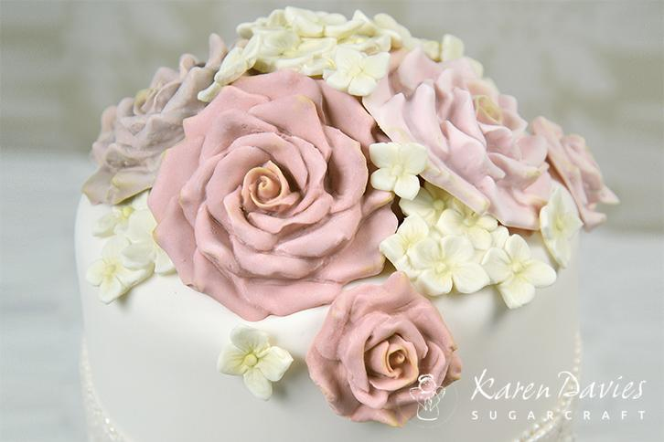 how to make large roses out of sugarpaste