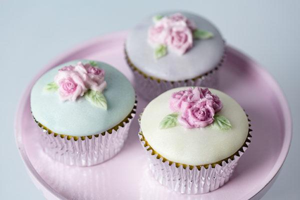 Cupcake Top - Triple Rose